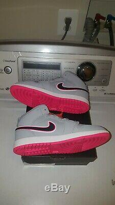 Brand New Jordan 1 MID Girl Shoes Size 3y Grey/pink/blk