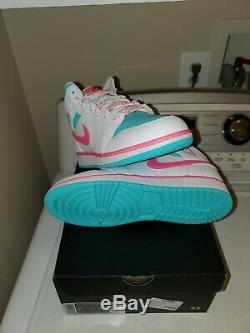 Brand New Jordan 1 MID Grade School Girls Shoes White/pink/blue Size 7y