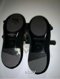 Burberry Bourdeaux Black shoes. Girl's size 26. Velvet material