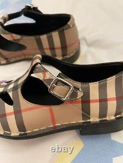 Burberry Girls Shoes Size 28