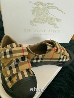 Burberry children toddler plaid sneakers shoes size 9, worn once