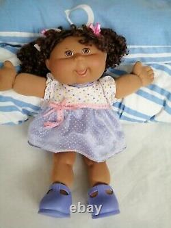 Cabbage Patch Kids Doll, Girl Brunette Hair, Brown Eyes, Original Outfit & Shoes