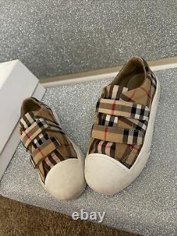 Girls Burberry Shoes