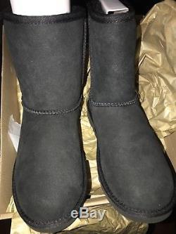 NEW UGG Australia Classic Youth black Girls Boots (Little & Big Kid) 5251Y Sz 6