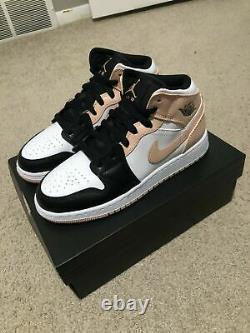 Nike Air Jordan 1 Mid Crimson Tint Toe (GS) UK5.5 Trainers Shoes Brand New