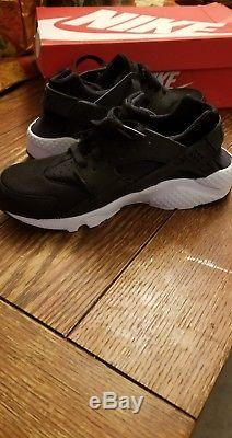 Nike Huarache Run GS Shoes Youth Size 7Y SB006 Black White Boys Girls Kids