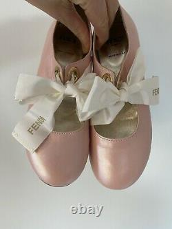 Stunning Fendi Shoes SiZe EU 32. Comes With Two Different Colour Bows