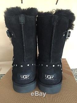 Ugg Australia Classic Short Boot Adrianna Stars Girls Kids Black Size 4