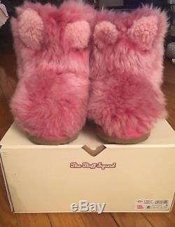 Ugg PinkiPuff Classic II Boot. Big kids Girls Size 6. Just Magical